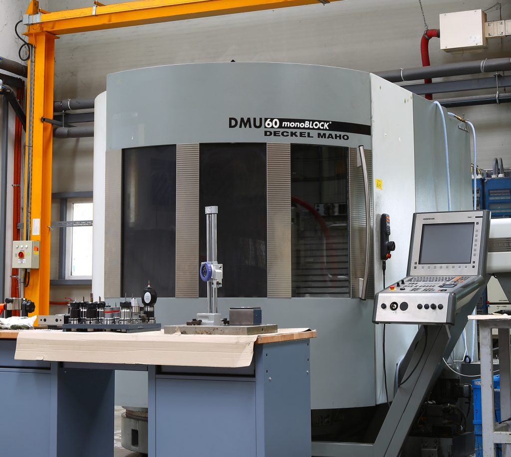 Tool manufacturing, tool design | Plastic injection molding
